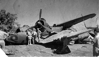 Beaufighter prang 211 Sqn.jpg 2